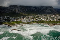 Hermanus village by stormy day von Sami Sarkis Photography