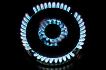 Lit blue double gas ring von Sami Sarkis Photography