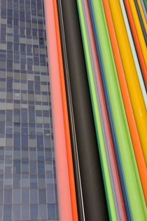 Skyscraper and multi coloured stripes von Sami Sarkis Photography