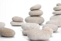 Stacks of smooth pebble stones von Sami Sarkis Photography