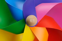 Colorful toy windmill von Sami Sarkis Photography