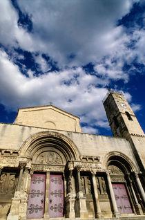 Facade of the Saint-Gilles abbey by Sami Sarkis Photography