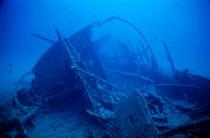 Rf-boat-decay-ruin-sea-shipwreck-sunken-uw126