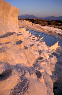 Rf-beauty-geology-hot-spring-terraces-turkey-cor144