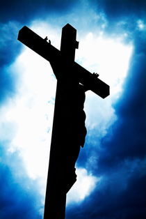 Rf-cloudy-crucifix-ethereal-jesus-silhouette-sky-lan0541