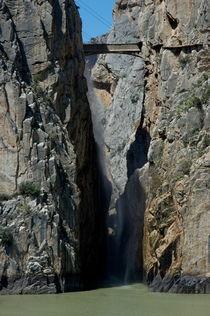 Rm-bridge-cliffs-el-chorro-guadalhorce-river-adl1085