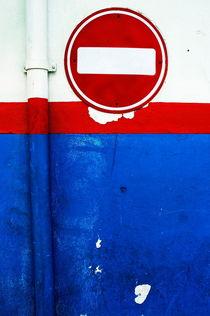 Rf-decayed-maldives-run-down-sign-urban-wall-mld0354