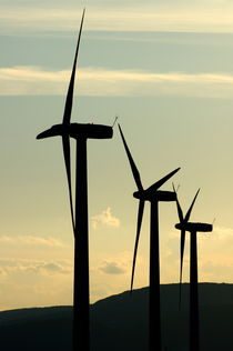 Rf-donzere-silhouetted-sky-turbines-wind-power-idy162