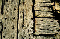 Rf-decay-door-shed-vanoise-national-park-wooden-var085