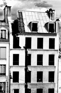 Rf-abandoned-buildings-paris-rooftops-run-down-gdo1-03
