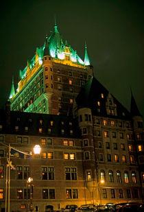 Rm-castle-chateau-frontenac-hotel-spot-lit-cnd061