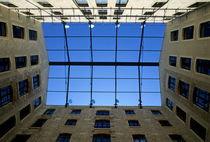 Rm-brick-marseille-repeating-rows-walls-windows-mle262