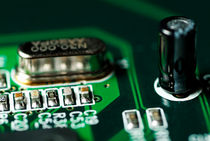 Integrated circuit on a computer USB board. von Sami Sarkis Photography