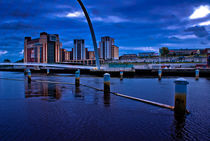 Millenium Bridge & The Baltic by John Ellis