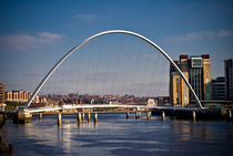 Gateshead Millenium Bridge by John Ellis
