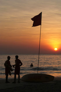 Life-guard-station-at-sunset-palolem-beach