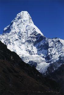 Nepal - Khumbu Himal, Ama Dablam einer der schönsten Berge der Welt by Karel Plechac