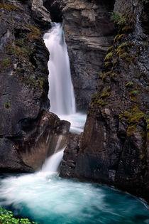 689v2af-lower-canyon-falls-961424-002-v-4-v-12-v-26