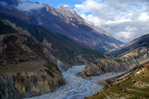 River-and-clouds-near-manang