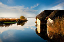 Thatched Boathouses 02 von Bill Pound