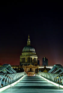 St Paul's cathedral at night by Sara Messenger