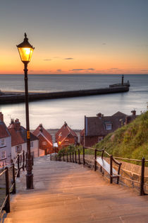 Whitby Steps - Orange Glow von Martin Williams