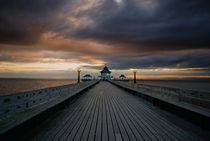 Clevedon Pier by Nigel  Bangert