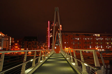 Knights-way-bridge-leeds-dot-dot-dot