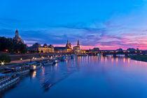 Dresden bei Sonnenuntergang und Blauer Stunde von Uli Gnoth