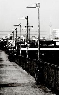 Am S-Bahnhof Berlin by Falko Follert