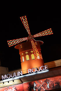 Moulin Rouge by Stephanie Wüstinger