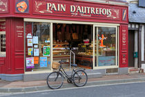 Bakery and Pastry shop in Etretat, France by Louise Heusinkveld