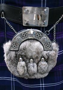 Was trägt der Schotte auf dem Kilt? by blickpunkte