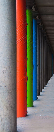 Columns to infinity by Alberto Vaccari