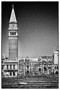 Blick von  der Fähre auf dem Markusturm  von Matthias Töpfer