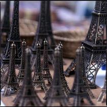Eiffel Towers von Eugene Zhulkov