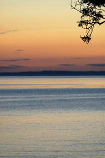 Evening falls by Lars Hallstrom