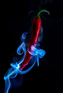 Red Hot Smokin Chilli Pepper by ian hufton