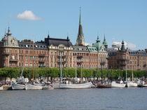 Stadsholmen,Schweden,Stockholm, Wasser, Schiff, Hafen, Meer, Wolken, Stadt, Häuser, Land, Natur, Skandinavien by Ka Wegner