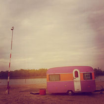Faded-caravan