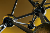 The Atomium in yellow by Rob Hawkins