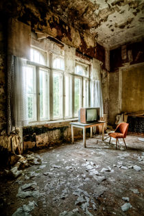 TV Room by David Pinzer