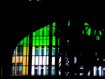 Der gruene Vorhang faellt. The green curtain is falling. von Pia Schneider