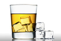 Stock-5-whisky-on-the-rocks
