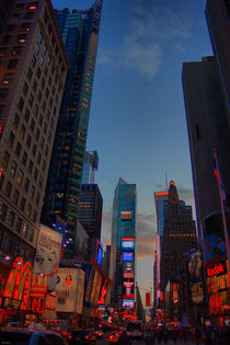 Times Square by Simon Gladwin