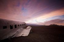 Island: DC-3 by Nina Papiorek