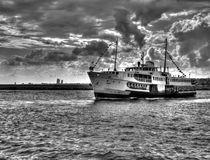 Boat in Instanbul by Roberto Giobbi