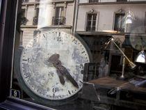 Old parisian clock von gerardchic