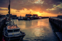 Whitstable Harbour Sunset by ian hufton